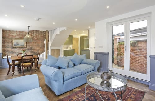 Dog Friendly Cottages - Charming Woodbridge Cottage S164651
