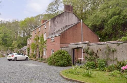 Last Minute Cottages - Attractive Haverfordwest Cottage S164872