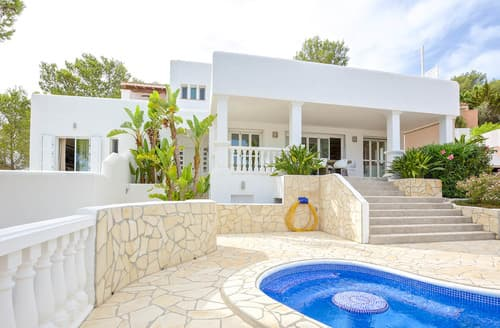 Last Minute Cottages - Villa Bromelia