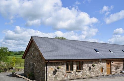 Last Minute Cottages - Y Dderwen at Brynglas Farm