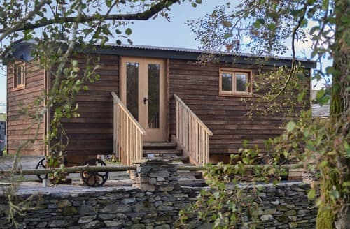 Last Minute Cottages - The Shepherds Hut at Gowan Bank Farm