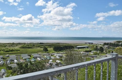 Last Minute Cottages - Pendine Manor