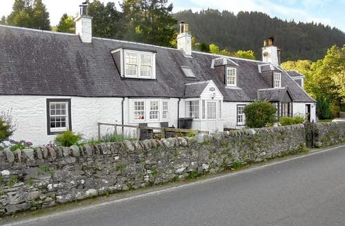Last Minute Cottages - Raglan Cottage