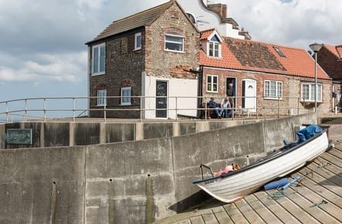 Last Minute Cottages - Sea Edge