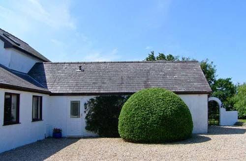 Last Minute Cottages - Little Gwaelod