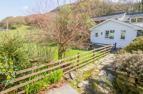 Last Minute Cottages - Luxury Tywyn Cottage S165868