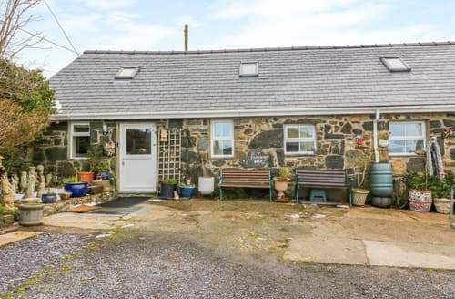 Last Minute Cottages - Ty Mynydd Cottage