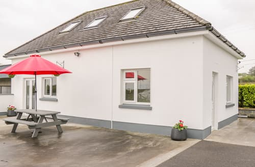 Last Minute Cottages - 2 Bed