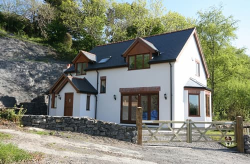 Last Minute Cottages - Isfryn