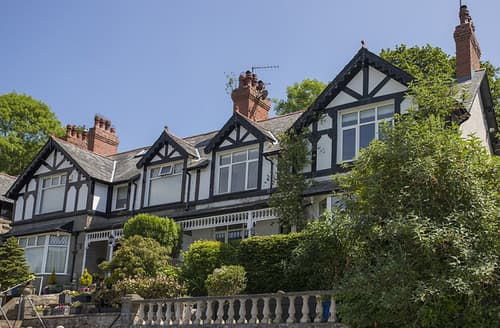 Big Cottages - Oakfield