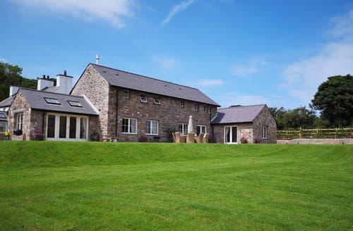 Last Minute Cottages - Penrhyn Barn