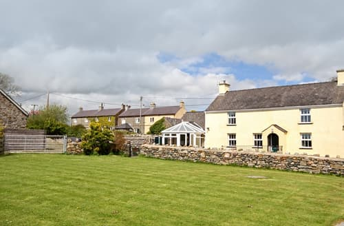 Last Minute Cottages - Plas Cefn Mawr