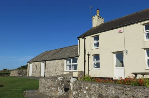 Last Minute Cottages - Inviting Moelfre Cottage S166230