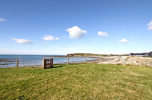 Last Minute Cottages - Beach House - Dryll-Y-Gro