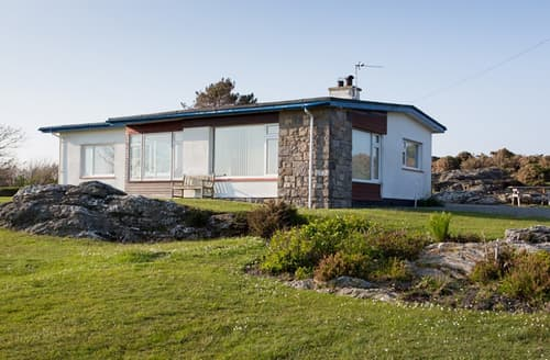 Last Minute Cottages - Ty Ynys