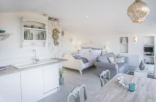 Last Minute Cottages - Lovely Church Bay Cottage S166294