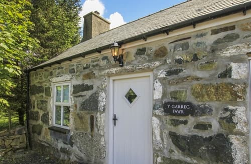 Last Minute Cottages - Tasteful Caernarfon Cottage S166297