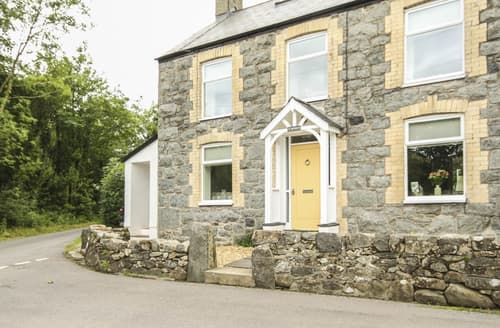 Last Minute Cottages - Y Bwthyn Llangybi