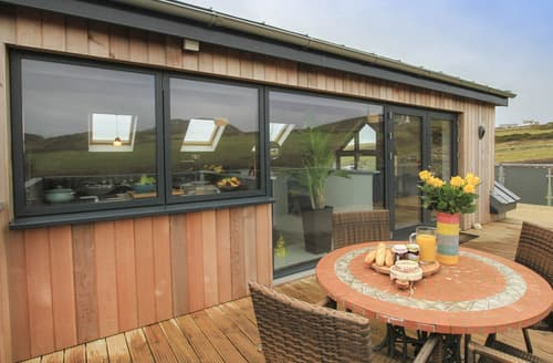 Last Minute Cottages - Luxury South Stack Cottage S166301