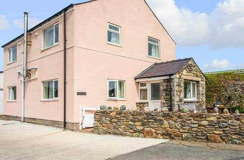 Last Minute Cottages - Attractive Church Bay Cottage S166349