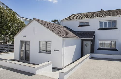 Last Minute Cottages - Inviting Rhosneigr Cottage S166361