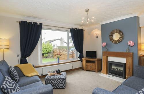 Last Minute Cottages - Bay View - Benllech