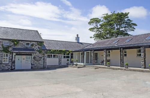 Last Minute Cottages - Bryn Eira Stables