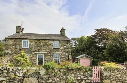 Last Minute Cottages - Bwthyn Nain