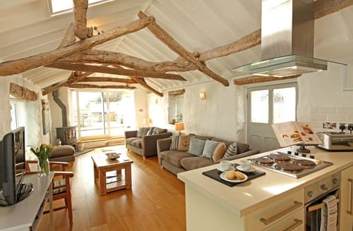 Last Minute Cottages - Boathouse & Mooring