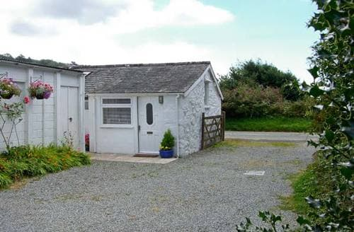 Last Minute Cottages - Lovely Harlech Studio S5186