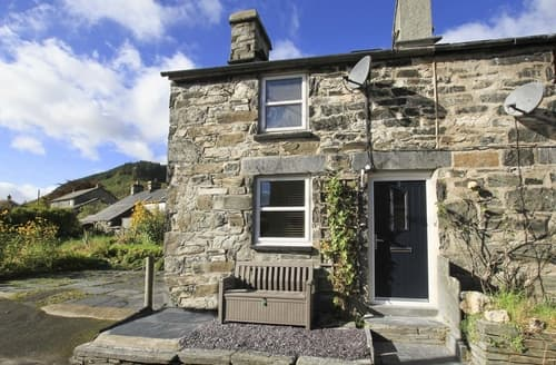 Last Minute Cottages - Carw