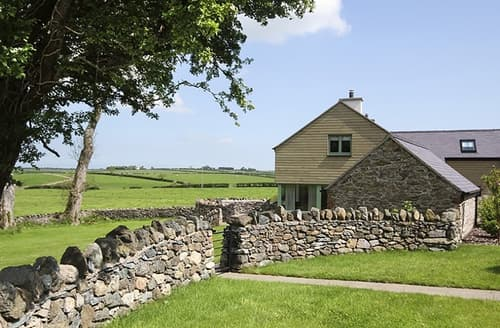 Last Minute Cottages - Charming Brynsiencyn Cottage S166470