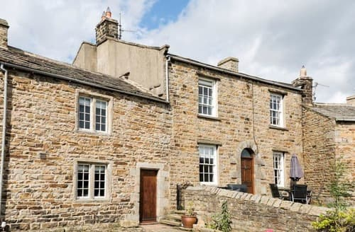 Last Minute Cottages - School House