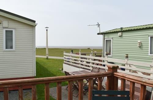 Last Minute Cottages - Ocean Lodge (Q12)
