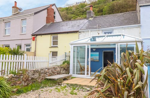 Last Minute Cottages - Pebble Cottage