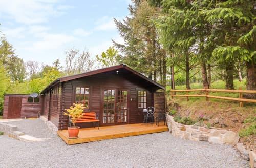 Last Minute Cottages - Log Cabin