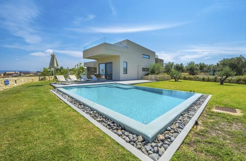Last Minute Cottages - Villa Clio