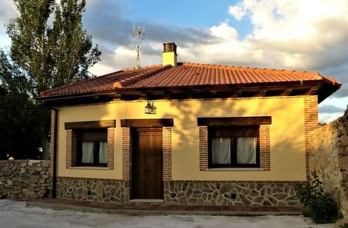 Last Minute Cottages - La Nava