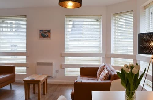 Last Minute Cottages - Quaint Ilfracombe Apartment S166904