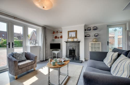 Last Minute Cottages - Adorable Holt Cottage S166915