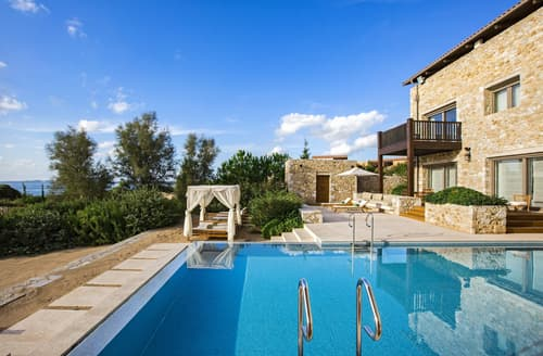 Last Minute Cottages - Methoni Villa