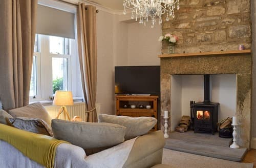 Last Minute Cottages - Delightful Bamford Cottage S167197