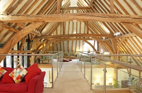 Last Minute Cottages - Great Higham Barn