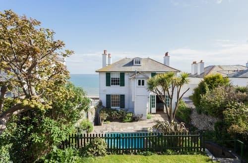 Last Minute Cottages - Regency Beach House
