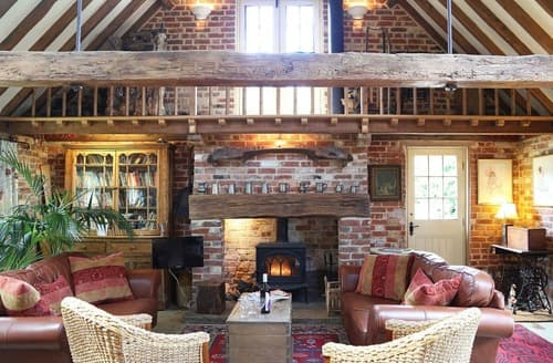 Last Minute Cottages - Surrey Hills Barn