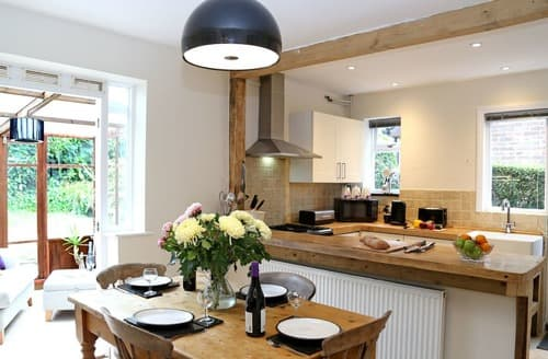 Last Minute Cottages - Nut Tree Cottage
