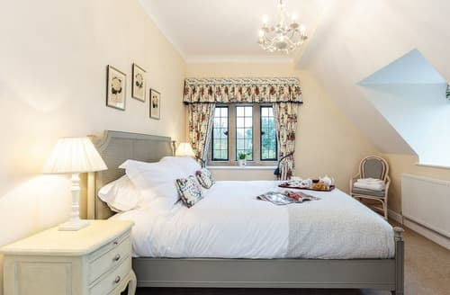 Last Minute Cottages - Pinkney Court Lodge