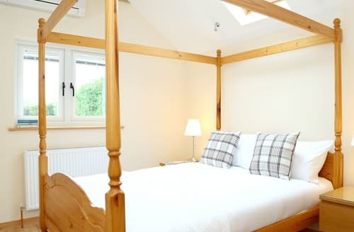 Last Minute Cottages - Apple Blossom View