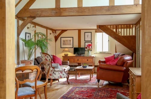 Last Minute Cottages - Surrey Hills Retreat
