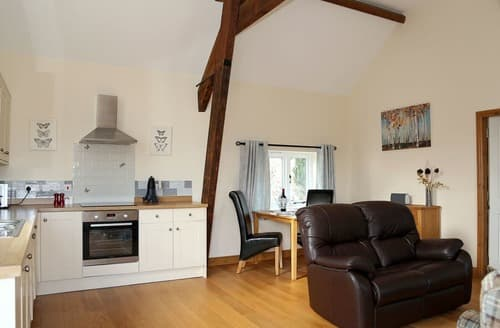 Last Minute Cottages - Captivating Near Shrewsbury Apartment S167440